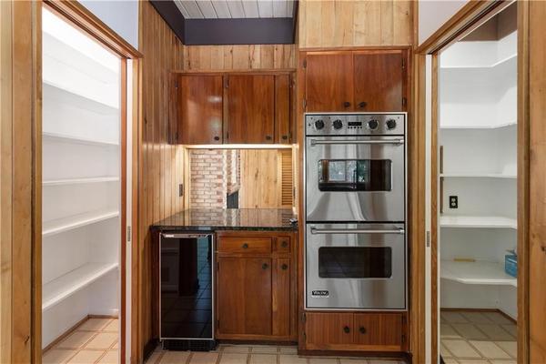 Atlanta buckhead midcentury modern design kitchen